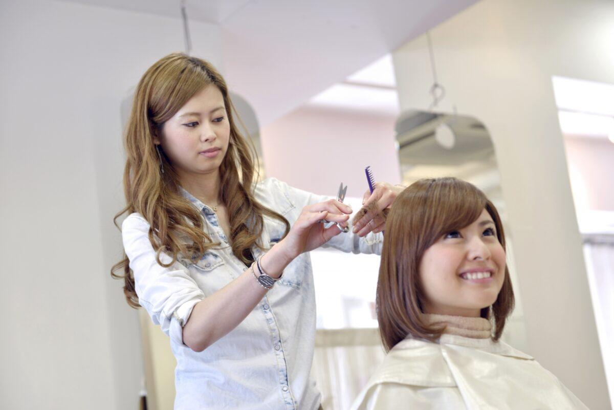 美容師 | 資格・通信講座・学び・比較情報